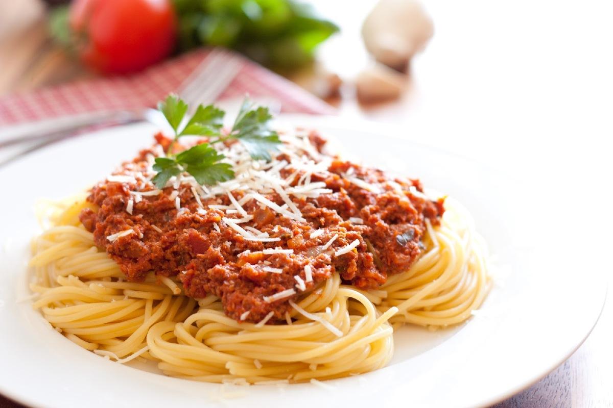 Spaghetti bolognaise : Comment réussir ses délicieuses spaghettis à la bolognaise comme en Italie ?